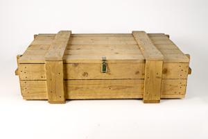 Robuuste houten kist